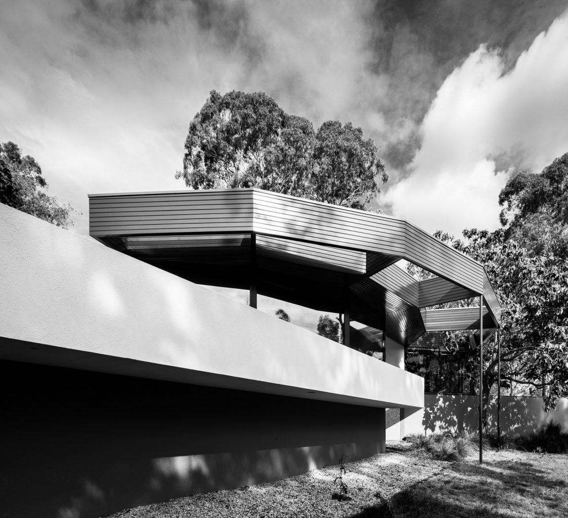 image: The Benjamin Residence or 'Round House' as the locals call it, designed by Alex Jelinek in 1956. Photo: Darren Bradley
