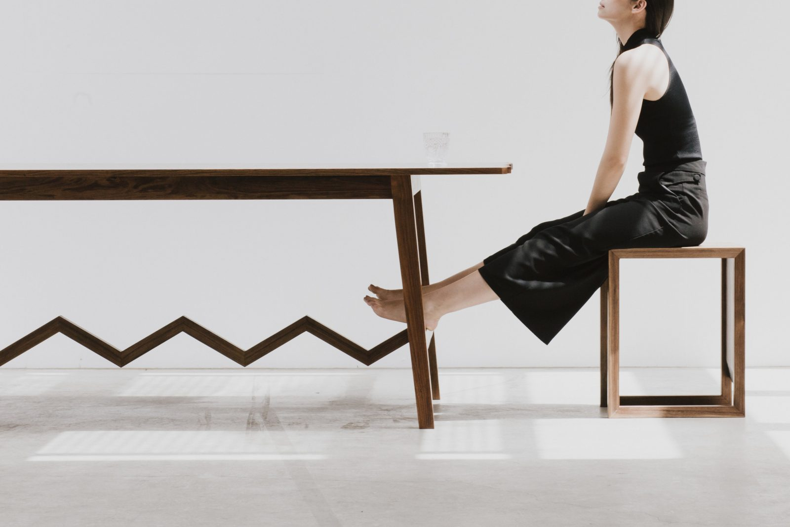 Chelsea Lemon, Serrated table. Concept and creative direction: Stephanie @the_nameless_blog and Jessica Di Scipio @jessdiscipio. Photo:  Jenny Wu @jennywuphotography.  Model: Alex Rubio @xel_rex_
