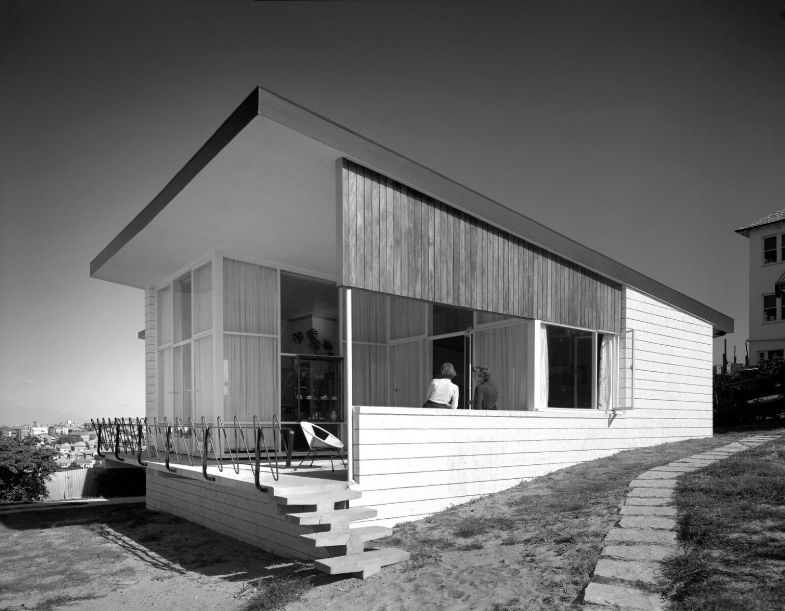 Franklin House, Waverly designed by Émigré Architect Hugh Buhrich, Image: Max Dupain)