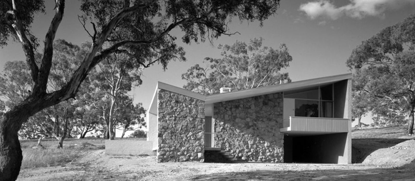 Bowden House by Harry Seidler (1954). Image: Max Dupain, copyright Penelope Seidler